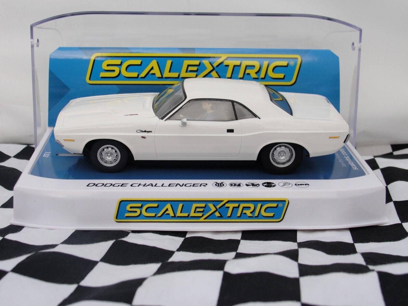 SCALEXTRIC DODGE CHALLENGER  WHITE  1 32 SLOT   C3935 BNIB
