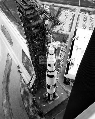 SATURN V ROCKET ROLLS OUT OF VEHICLE ASSEMBLY BUILDING  8X10 NASA PHOTO EP-945
