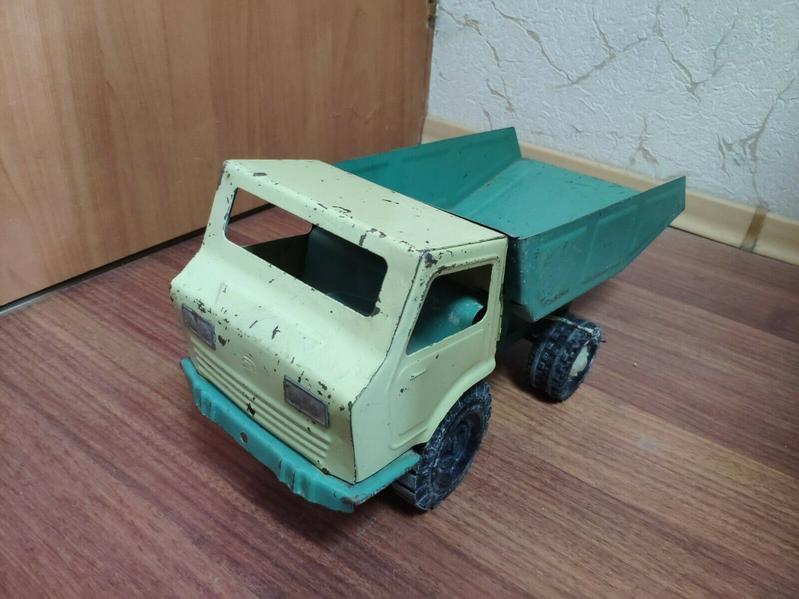 Vintage Raros temprano década de 1960 ruso URSS Soviética Estaño Juguete Coche Camión de juguete de metal