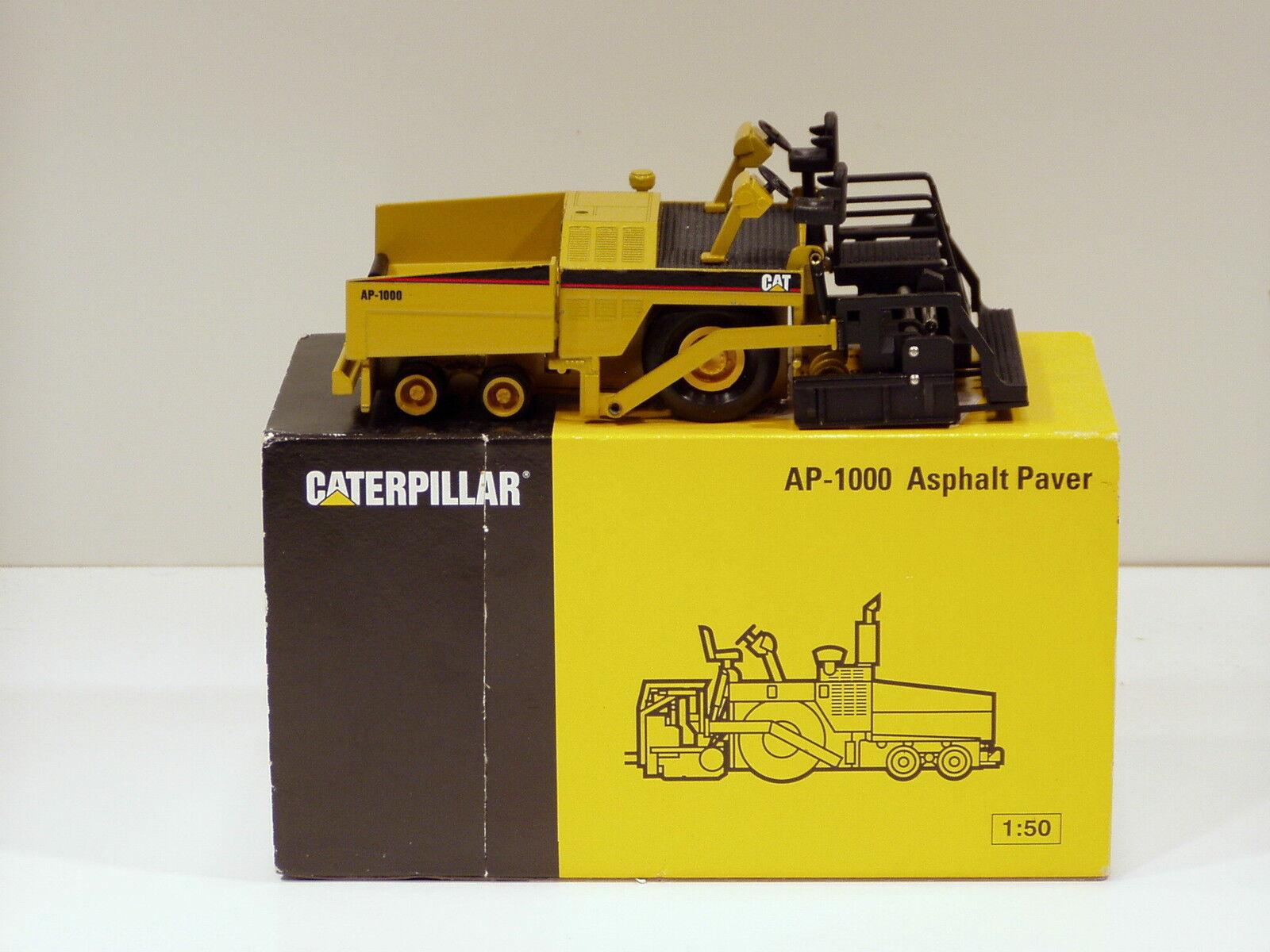 Caterpillar AP1000 Paver - 1 50 - NZG  388.1 - N.MIB