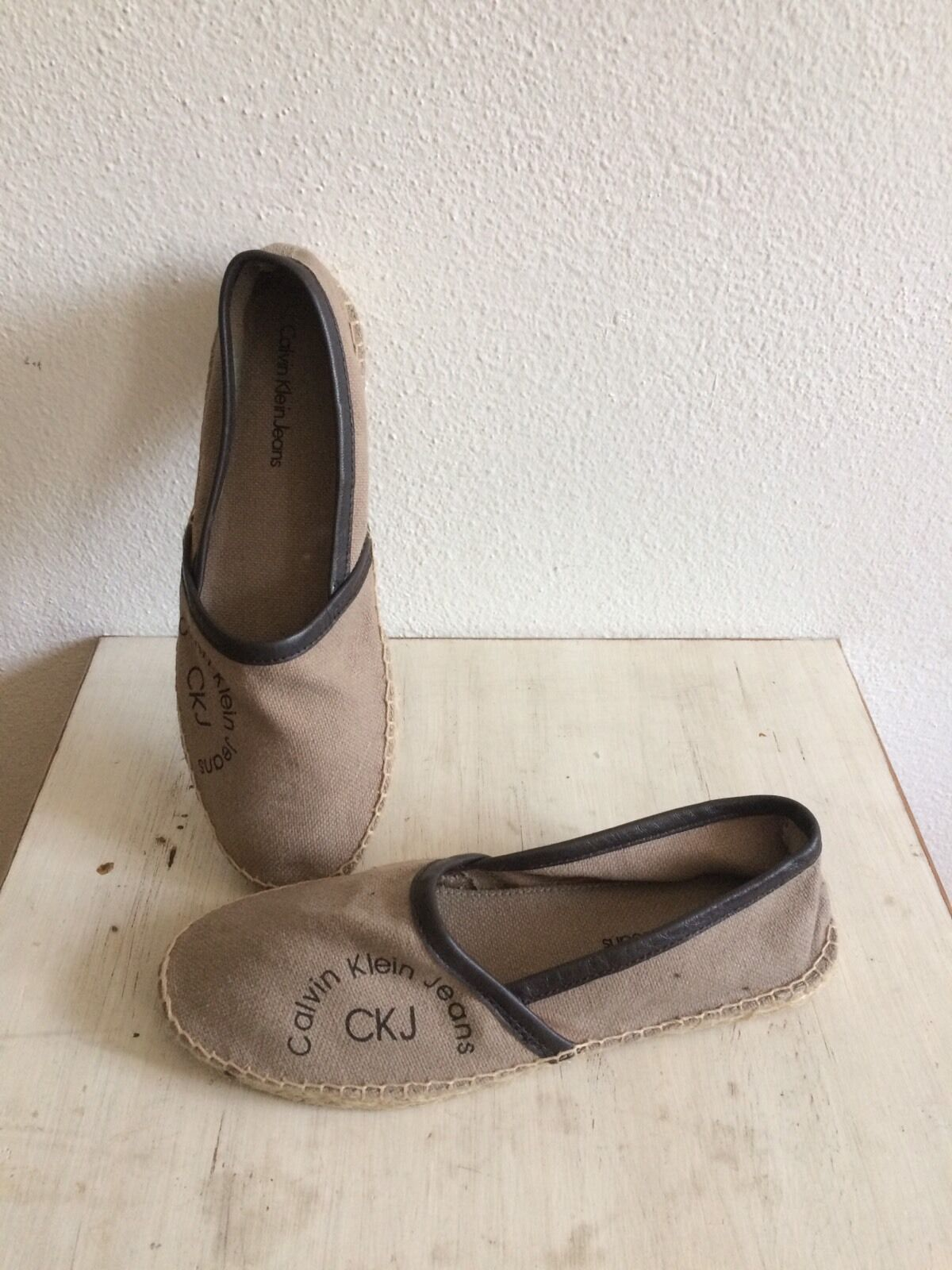 Calvin Klein Espandrilles Slipper Schuhe zu Jeans Hose Kleid Rock Gr. 38 Conleys