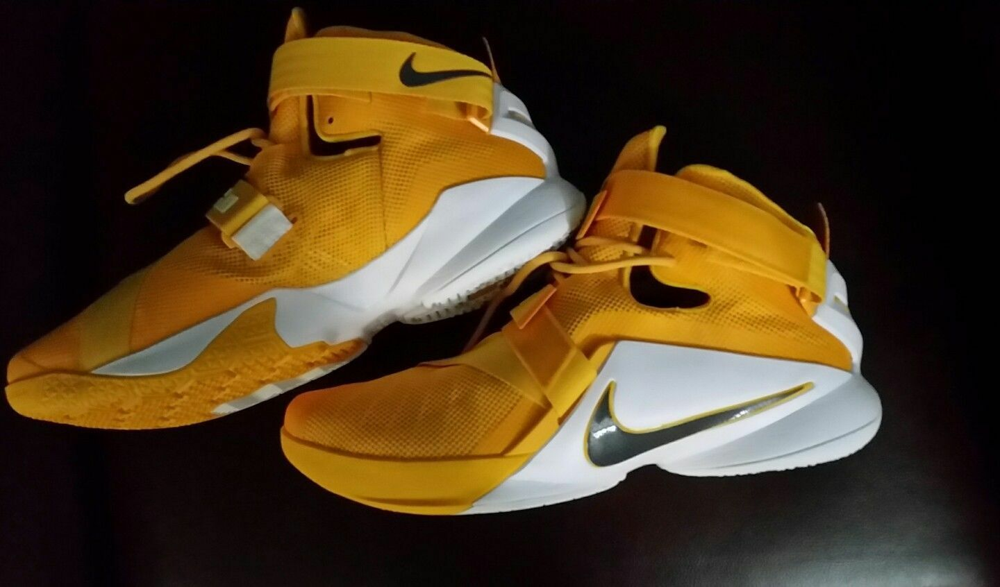 NIKE LEBRON SOLDIER IX TB MEN'S BASKETBALL SHOES 16.5 GOLD/RARE NEW