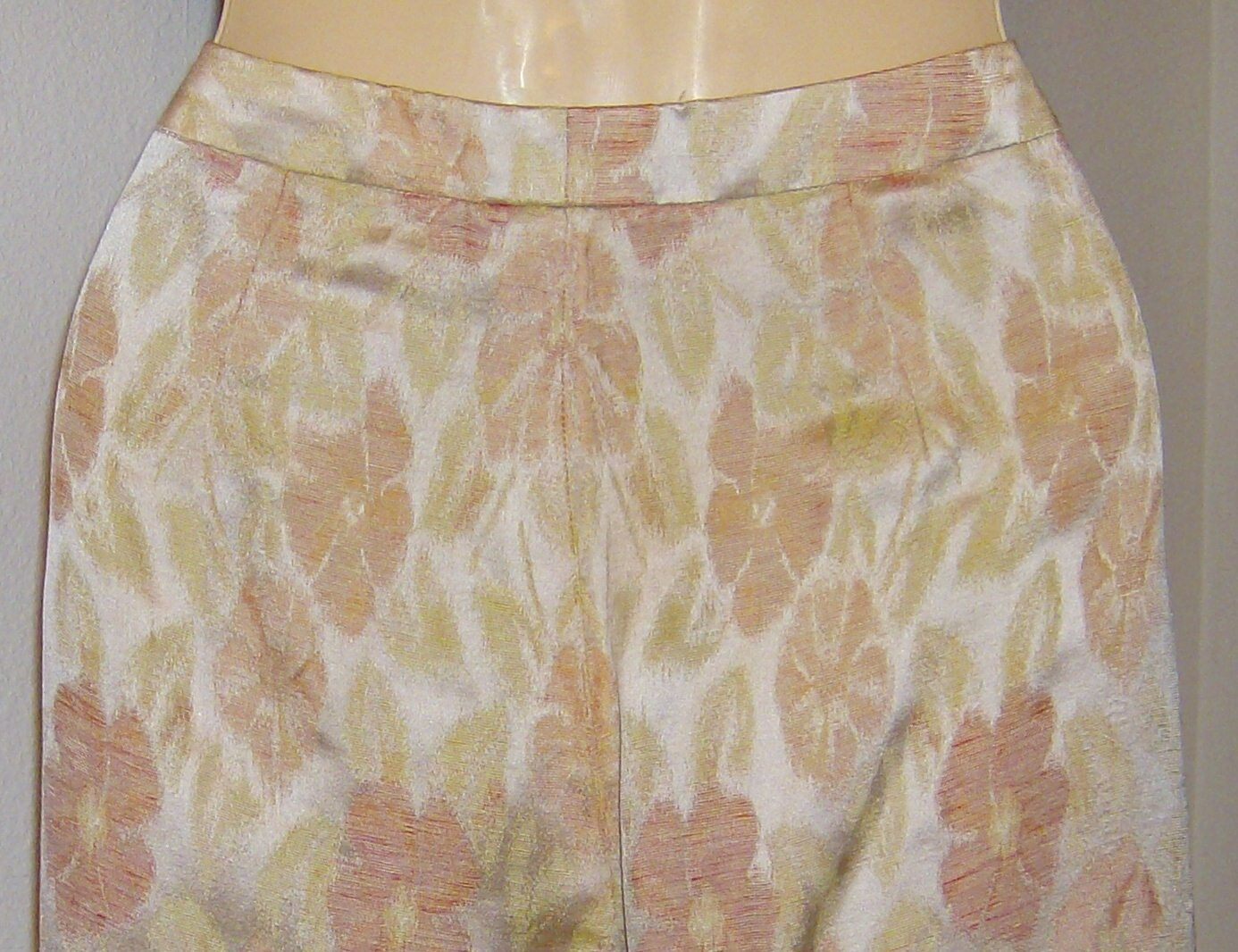 Ladies Carlisle Pants Briar Pattern Pastel colors Linen Silk Size 6 Peach Tan
