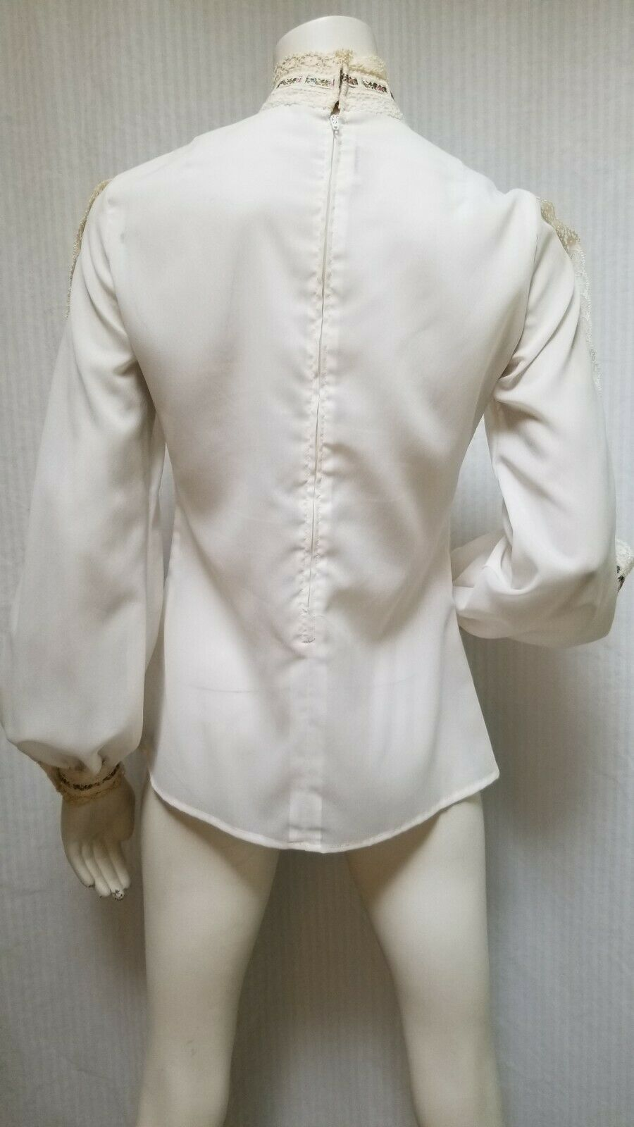 Vintage LORD & TAYLOR Ivory Crochet Lace Pleated … - image 6