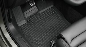 TAPPETI TAPPETINI IN GOMMA Volkswagen Passat B8 dal 2014