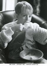 MACAULAY CULKIN  HOME ALONE 1990 VINTAGE PHOTO ORIGINAL #1