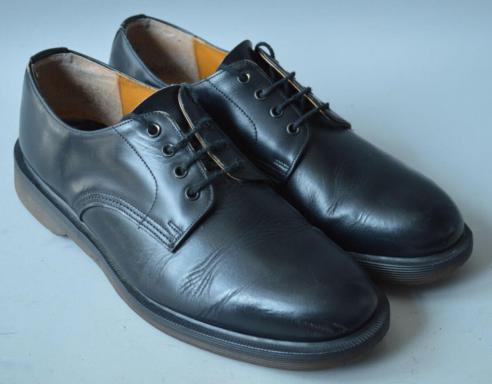 Men's Black Leather Dr Martens Classic Lace Up shoes, Size UK 8, EU 42.