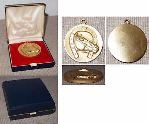 Médaille Chevaux Sport Ou Chevaux élevage En Laiton Diamètre Env. 49 Mm-afficher Le Titre D'origine
