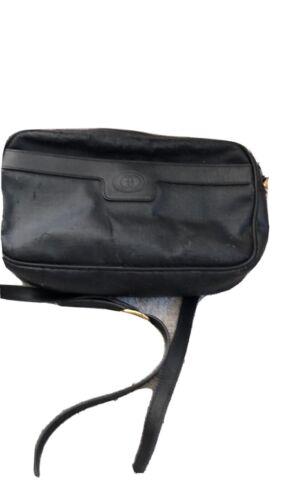 Gucci Classic Authentic Vintage Black Leather Cros