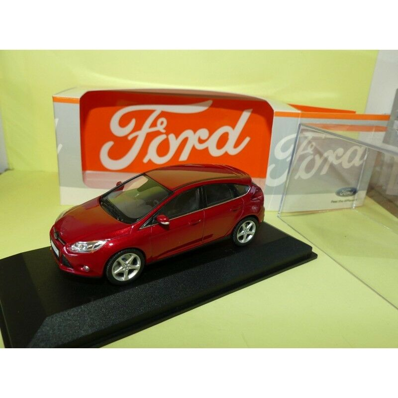 FORD FOCUS III Phase 1 red Grena MINICHAMPS 1 43