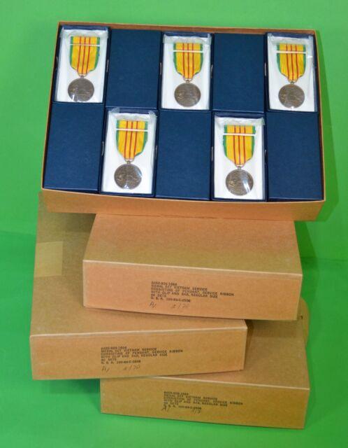 40 U.S. GI Issue Military Vietnam Service Medal Sets Veterans Dealer Lot