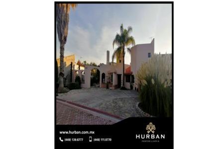 HURBAN VENDE CASA de una planta en Aguascalientes, en Jardines del  Lago.