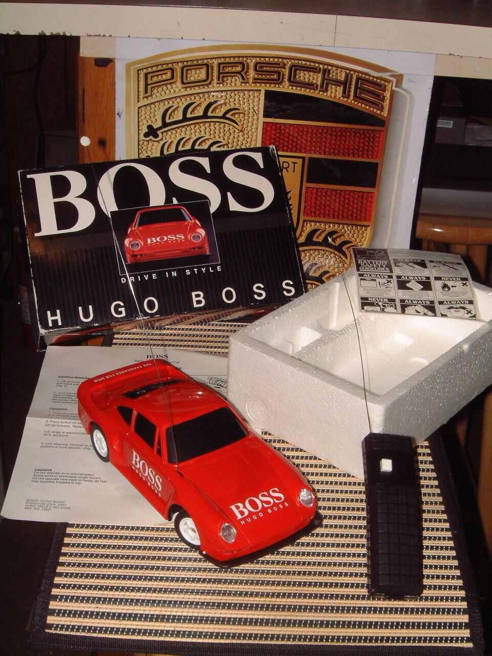 Raro  HUGO BOSS  Radio Control Rojo PORSCHE 959 Con Caja  Perfecto & Totalmente Funcionando