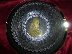 QUEEN-VICTORIA-Diamond-Jubilee-1897-Decorated-Glass-Dish-Gold-Portrait-ROYAL-V1