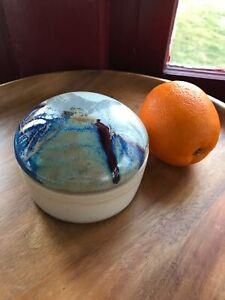 Artist-Studio-Ceramic-Round-4-5-034-Box-Pottery-w-Lid-Signed-Saul-Blue-Beige-Glaze