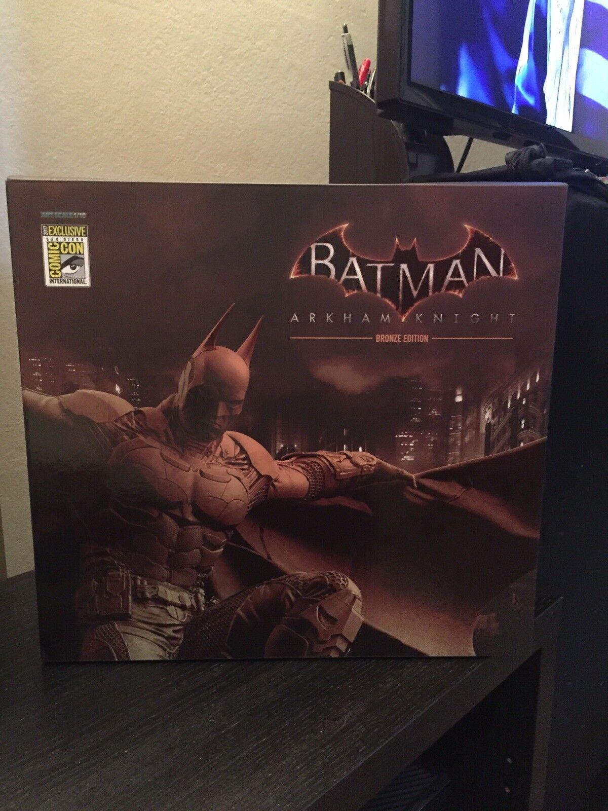 SDCC 2017 Exclusive Iron Studios BATMAN  Arkham Knight  Bronze Edition