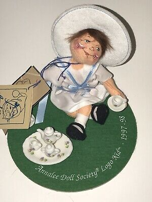 """Dolls Annalee Mobilitee Tea Time 1997-98 Doll Society Logo Kid 6"""" Tea Party With Pin"""