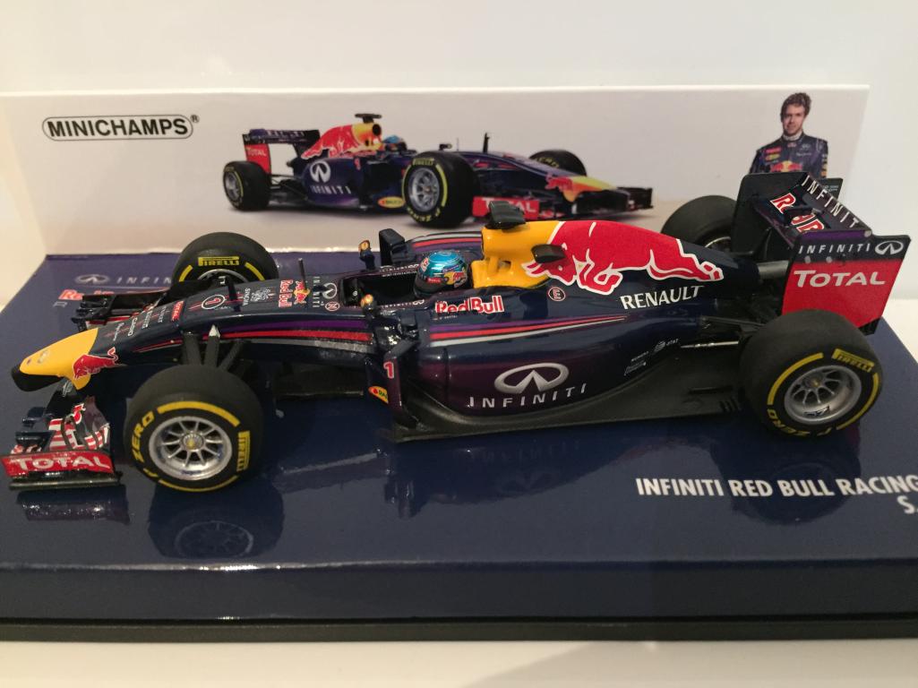 Minichamps 410140001 Infiniti Rouge Taureau Course  RB10 S Vettel 2014 Neuf  en ligne au meilleur prix