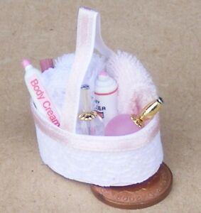 1:12 Scale Pink Baby Bathroom Accessories Set Dolls House Miniature Bedroom 2403