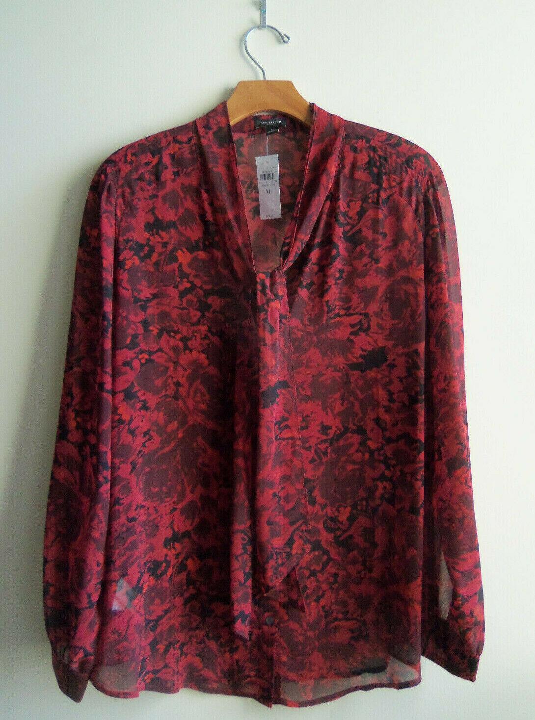 Ann Taylor Floral Tie Neck Shirt, 100% Polyester, rot Print, Größe M, NWT