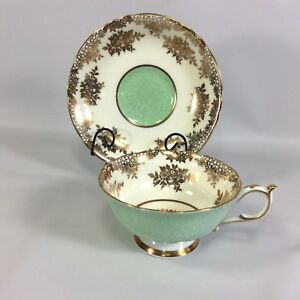 Paragon-Double-Warrant-Tea-Cup-Wide-Saucer-Heavy-Gold-Filigree-Green-Design