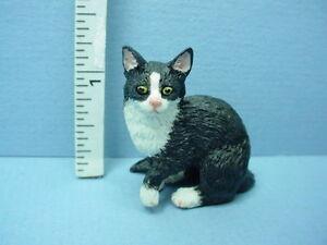 Miniature Sitting Cat Black & White #A4155SK - Falcon 1/12th Scale