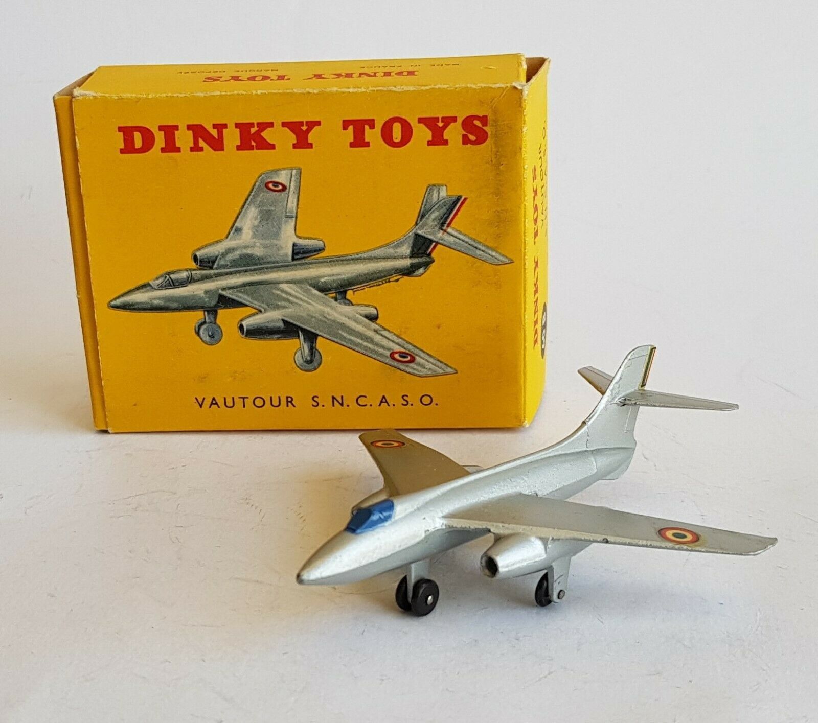 FRENCH DINKY TOYS No. 60B, vautour S.N.C.A.S.O. Fighter, - superbe état neuf