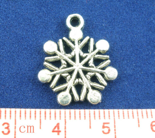 15 ANTIQUE SILVER CHRISTMAS SNOWFLAKE CHARM~20x16mm~Cards~Wine Glass Charm X32