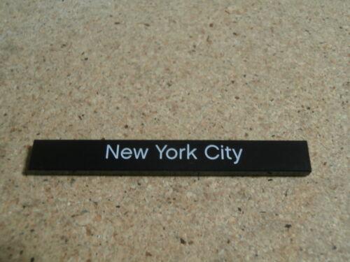 LEGO City carreau 1 x 8 noir NEW YORK CITY black tile decorated Neuf