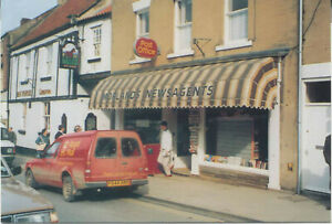 Royal-Mail-Postcard-Ford-Escort-in-Pickering