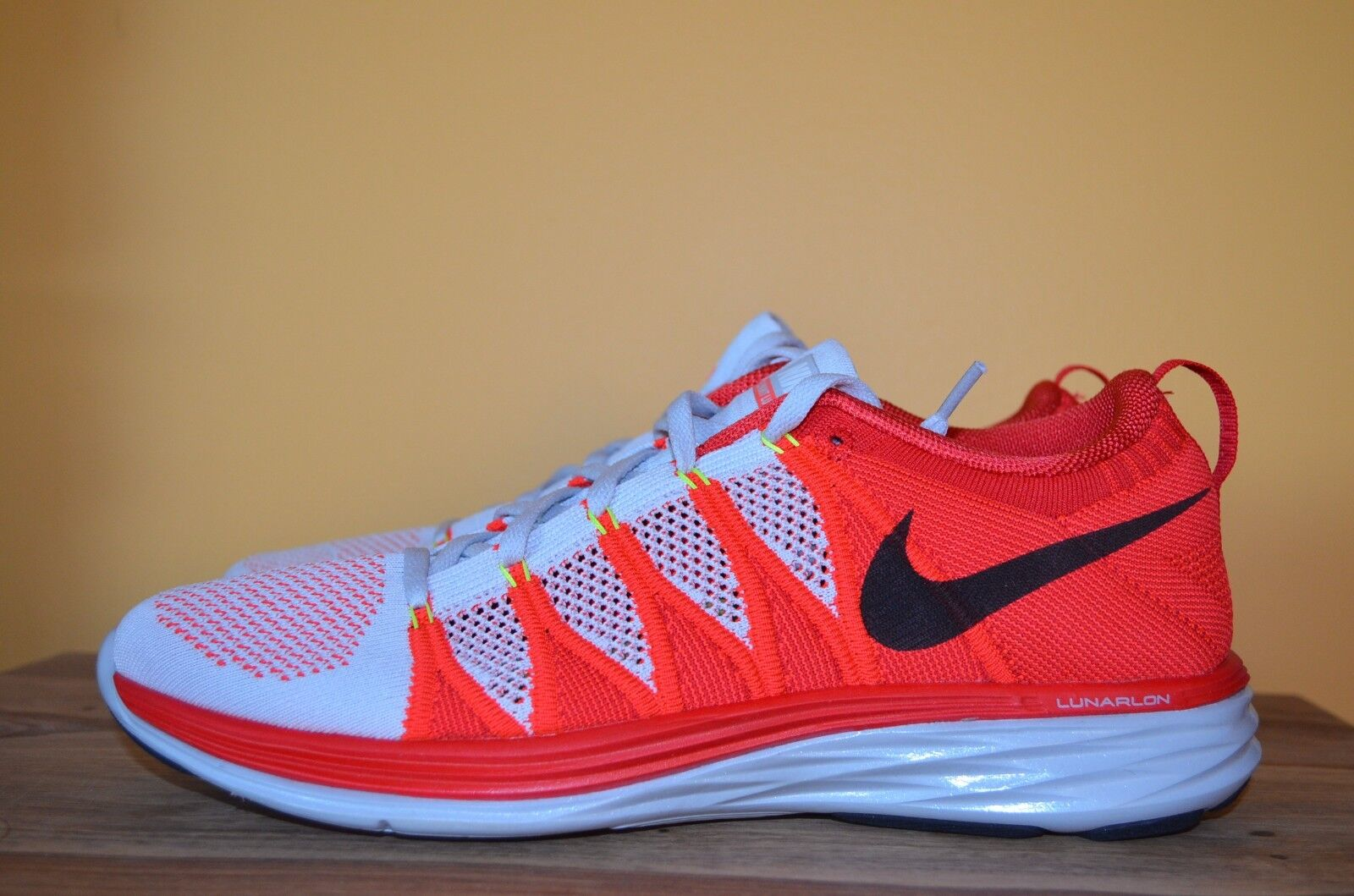 NEW NIKE FLYKNIT LUNAR 2 Running Shoes SZ 11 Platinum/Red/Black 620465-006 ii Platinum/Red/Orange
