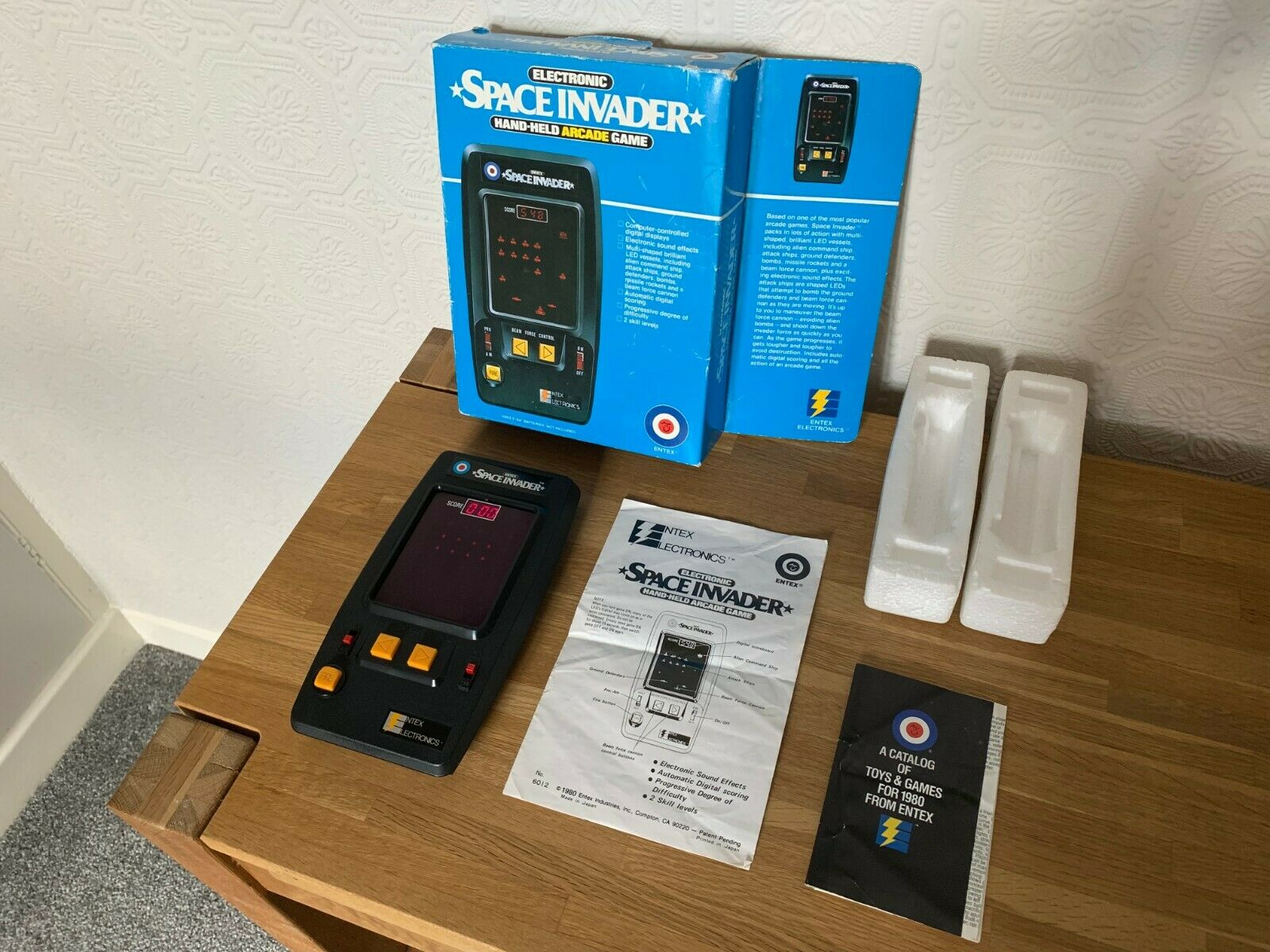 Superb Boxed Entex Space Invader Vintage 1980 Handheld Electronic Game in VGC.