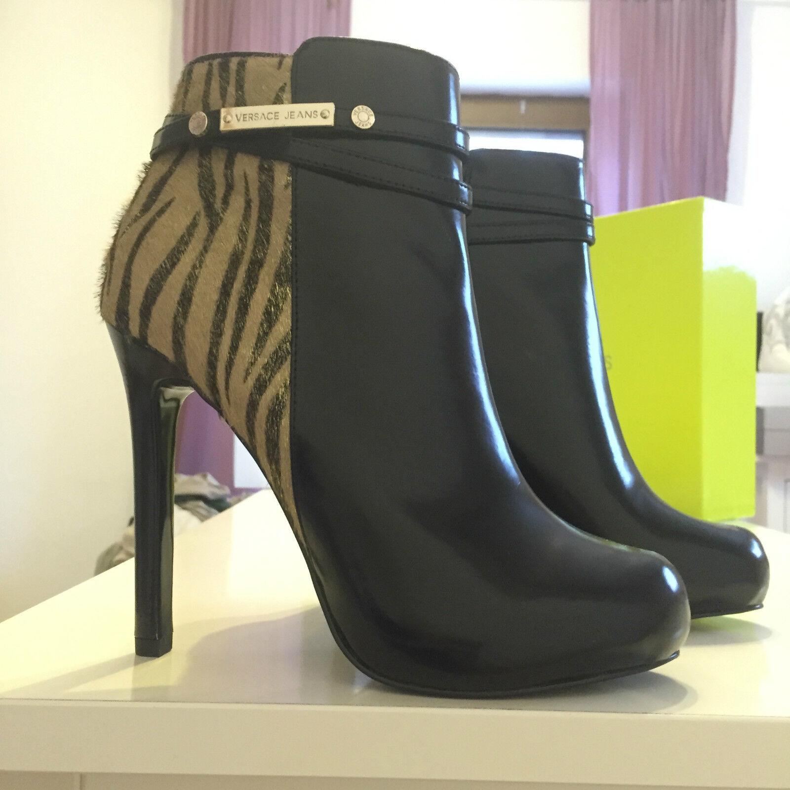 Versace Stiefeletten Stiefel Ankle Boots EUR 39 US 8 UK 6 neu