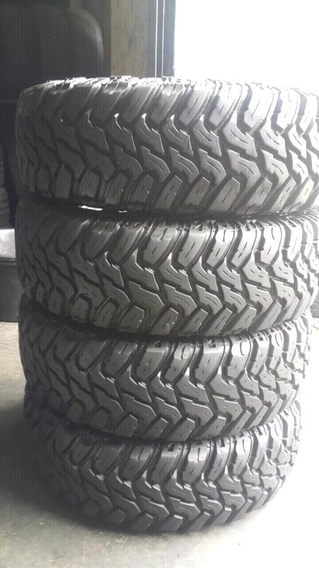 """Set of 16"""" inch Bakki tyres in Discoverer Cooper STT"""