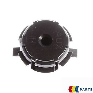 NEW-GENUINE-FORD-FIESTA-FUSION-CONNECT-AUX-HEADPHONE-PLUG-SOCKET-1365708