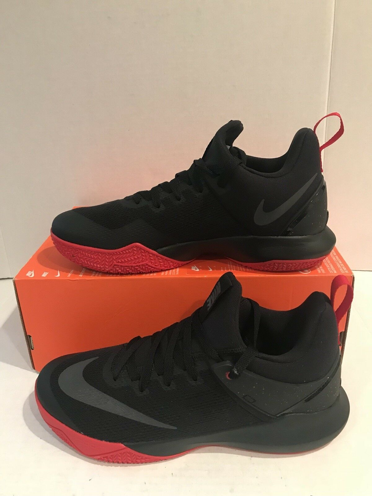 competitive price 72a52 ff05a NEW NIKE ZOOM SHIFT MEN S BASKETBALL 897653 SHOES BLACK RED SIZE 10 897653  BASKETBALL 003 dbf83f