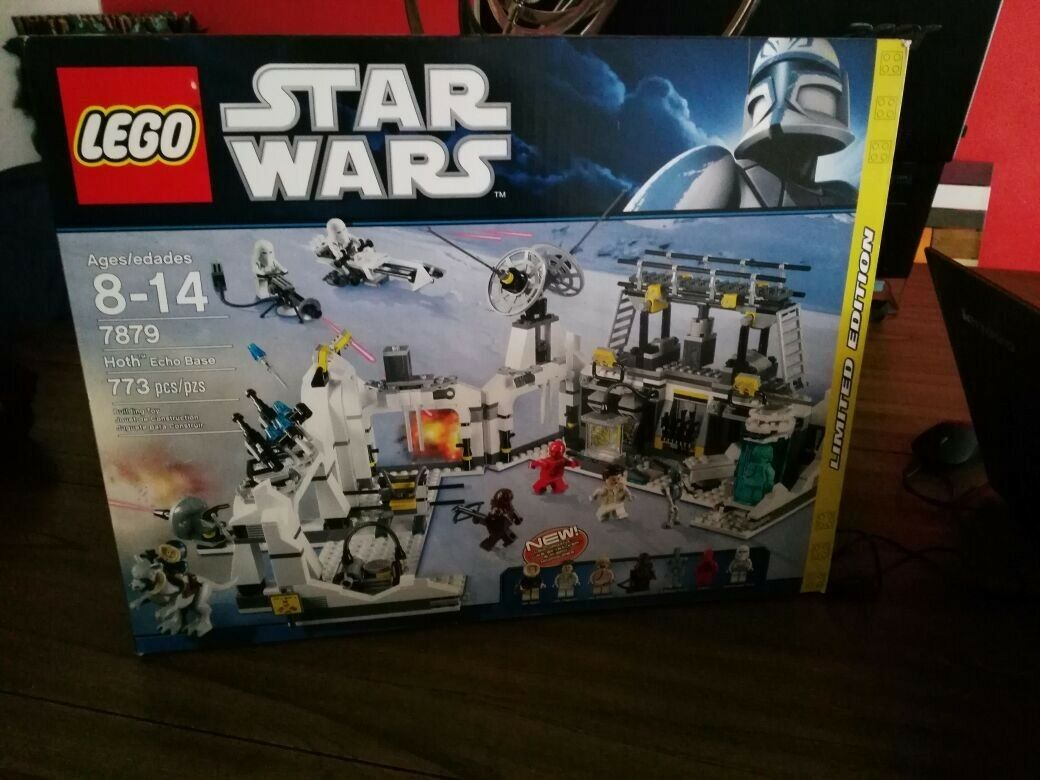 LEGO Star Wars Hoth Echo Base near complete, complete, complete, Taun Taun and mini figures 23247c