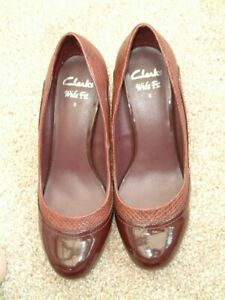 Ladies Clark's Wide Fit Burgundy Patent