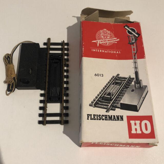 Fleischmann H0 Entkuplungs Gleis mit  Antrieb