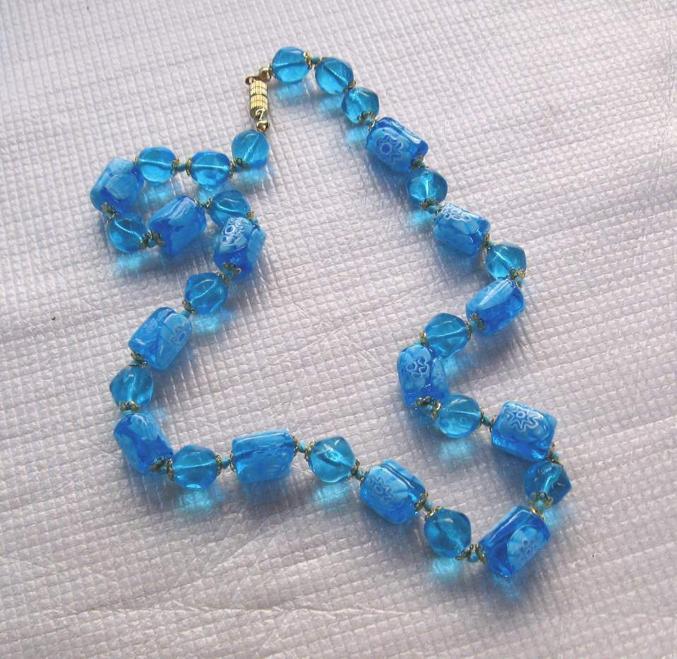 Collier en perles de murano nouvelle collection.