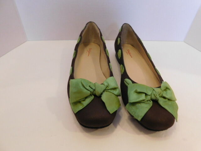 STEFANI COLLECTION  LADIES BROWN SUEDE WITH GREEN RIBBON FLATS SIZE 7 W W