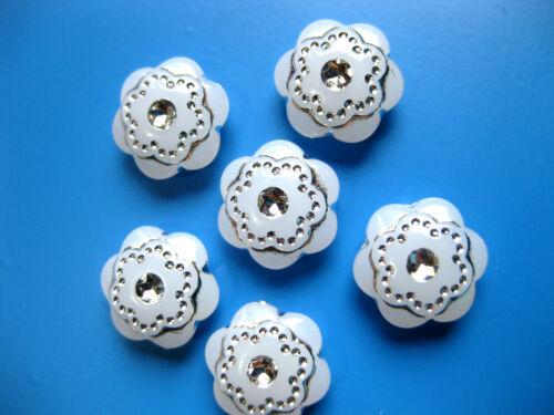 blütenförmig ca.14mm Kunststoff  K4 15 Knöpfe weiß mit silber