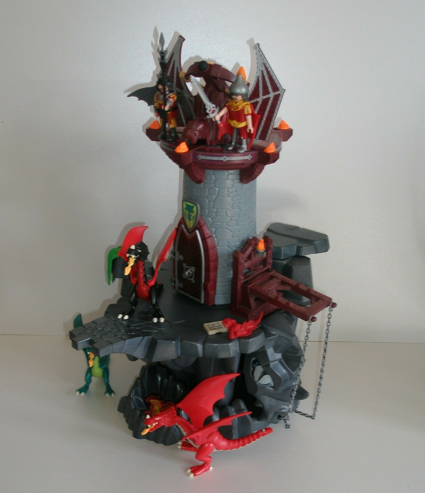 Playmobil 4836  Dragon's Dungeon plus 3 dragons, plus baby dragon and 2 figures