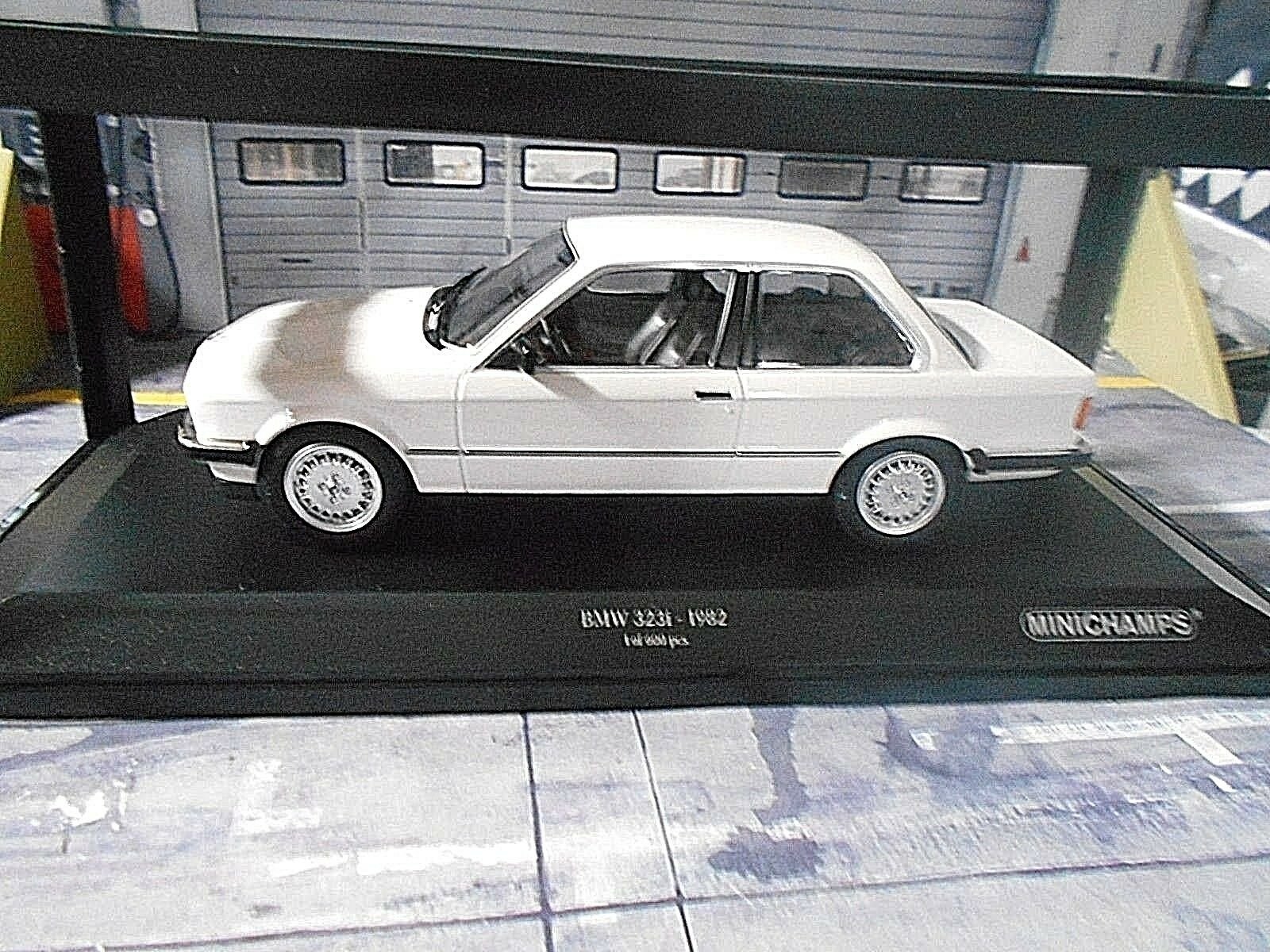 Bmw 3er 3 - serie 323i e30 limousine weiss mit 1982 minichamps neu neue 1,18