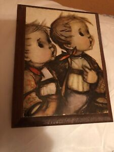 Mid-Century-Hummel-Plaque-of-Two-Boys-With-Picnic-Baskets