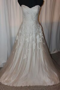 NWT-Lilian-West-6461-Size-16-Sand-Ivory-lace-long-formal-BRIDAL-wedding-GOWN