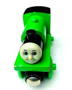 Thomas-amp-Friends-Wooden-Railway-PERCY-magnetic-train-engine-2001