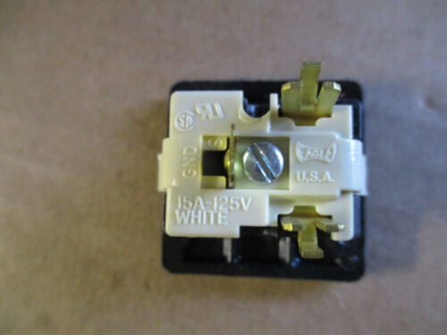 Eagle Snap In Grounding Outlet Receptacle 125V 15A 4067-4BK;1 Qty 10