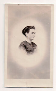 Vintage-CDV-Unknown-French-Society-Lady-Photo-Paris-Inscribed-on-Back