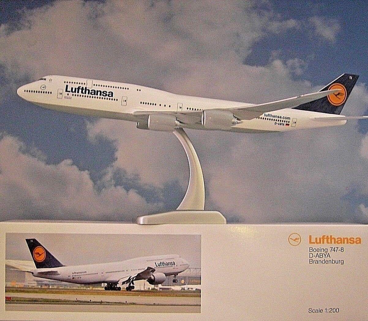 LIMOX Wings 1 200 Boeing 747-8 Lufthansa D-Abya Brandebourg  Herpa Wings catalogue